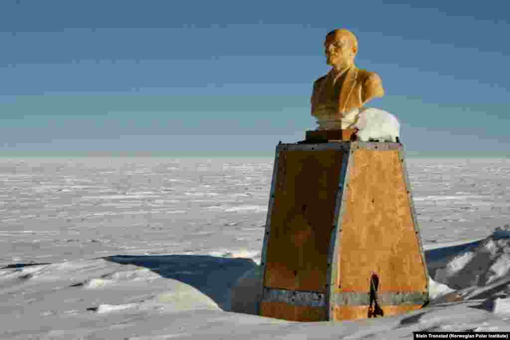 It's unclear if the bust itself still remains visible today. Its last known visitor came eight years ago, when another private expedition, consisting of French-American-British national Sebastian Copeland and American-Canadian national Eric McNair-Landry, stopped by while crossing the continent using kites.