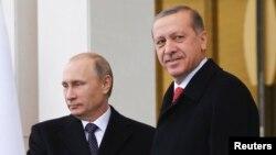 Орус президенти Владимир Путин менен Режеп Тайип Эрдоган