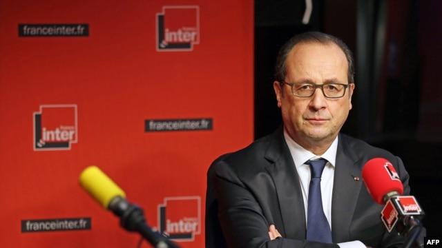 فرانسوا اولاند، رئیس جمهوری فرانسه در استودیوی رادیو فرانسانتر