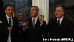 Državni vrh Crne Gore slavi povodom pozivnice za članstvo u NATO