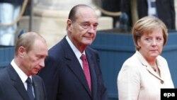 С уходом Ширака (в центре) Европа лишится еще одной разделительной линии