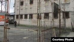 В настоящее время в России, по словам Дмитрия Шамба, отбывают наказание несколько десятков абхазских граждан. А в Абхазии – 16 граждан России. Заключенные стремятся из российских тюрем вернуться домой, в Абхазию
