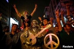 На акции протеста в Анкаре. 4 июня 2013 года.