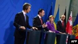 De la stânga la dreapta: Iurie Leancă, Irakli Garibaşvili, Angela Merkel şi Arseni Iaţeniuk, Berlin, 28 mai 2014