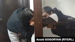 Ахра Авидзба с супругой в суде, 15 марта