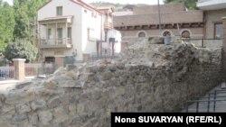 Удалось откопать стены некогда расположенного тут дворцового комплекса