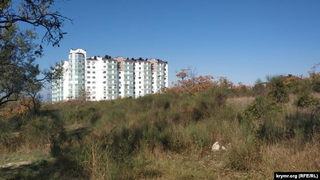 На пустыре по улице Горпищенко, 111 планировал возвести многоэтажки «Специализированный застройщик «Талан-Ижевск»
