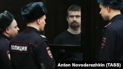 Леонид Развозжаев на суде 18 февраля 2014 года