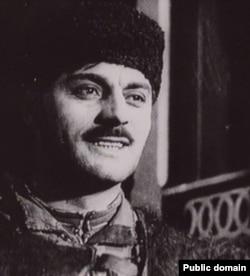 Алім Айдамак у виконанні кримськотатарського артиста Хайри Емір-заде в фільмі «Алім»