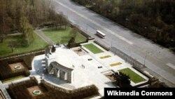 Мемориал советским воинам в Тиргартене