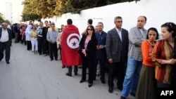Тунисцев, желающих проголосовать, оказалось много