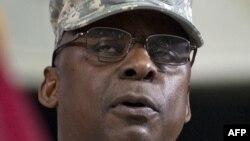 الجنرال لويد اوستن آخؤر قائد للقوات الاميركية في العراق