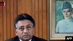 پرويز مشرف پيش ازاعلام استعفا، مخالفانش را متهم کرد که اتهامات بی پايه ای عليه او وارد کرده اند و از عملکرد دولت خود دفاع کرد.(عکس: AFP)
