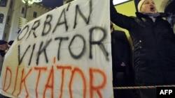 Демонстрация против политики Виктора Орбана, январь 2012