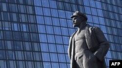 Ukrayna, Leninin heykəli