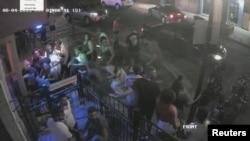 Кадр из видеозаписи, запечатлевшей атаку в Дэйтоне.