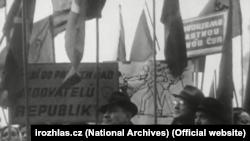 Коммунисты на улицах Праги, февраль 1948 года