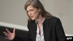 خانم پاور میگوید «پیشرفت در موضوع [مربوط به برنامه] اتمی ایران، نباید باعث شود تا شورای امنیت سازمان ملل در برابر دیگر اقدامات ایران در ایجاد بیثباتی در خاورمیانه کوتاه بیاید»