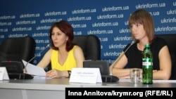 Anife Kurtseitova ve Anna Dremova
