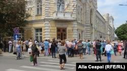 Protestul susținătorilor lui Andrei Năstase în fața primăriei Chișinău