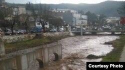 Реката Отиња се излеа од коритото во Штип на 23 јануари. Фото: Радио Канал 77