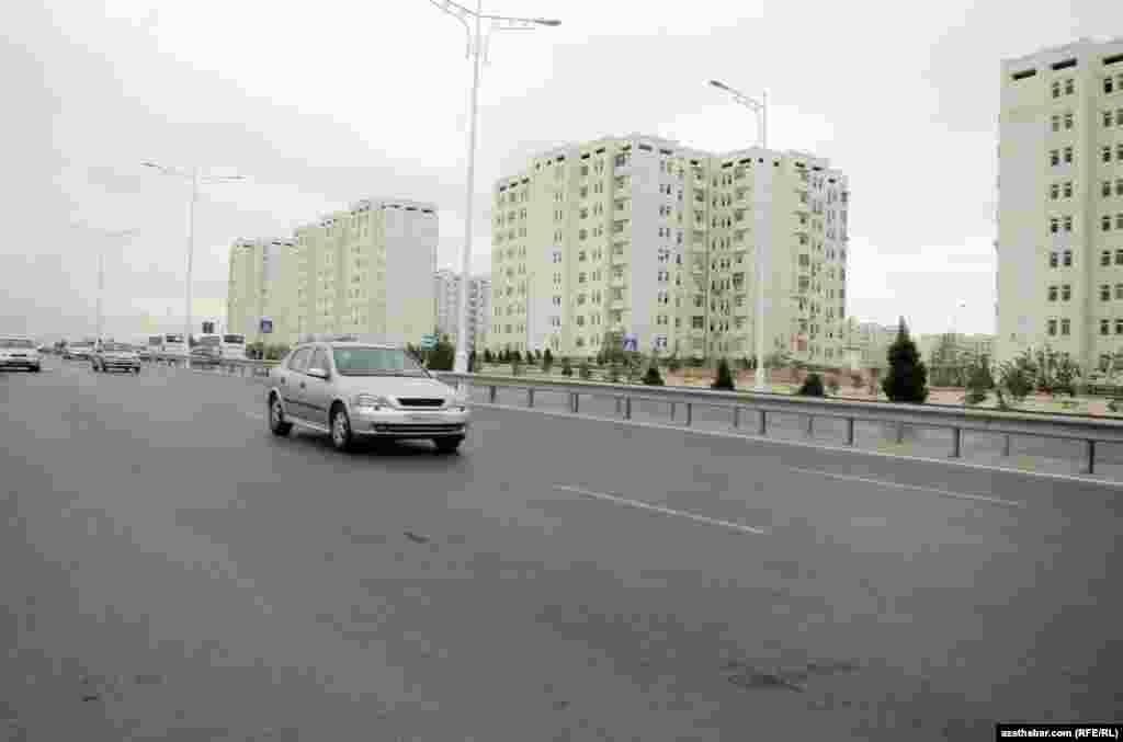 Улица Баба Аннанова