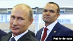 Владимир Путин и Михаил Игнатьев. Фото: pravdapfo.ru