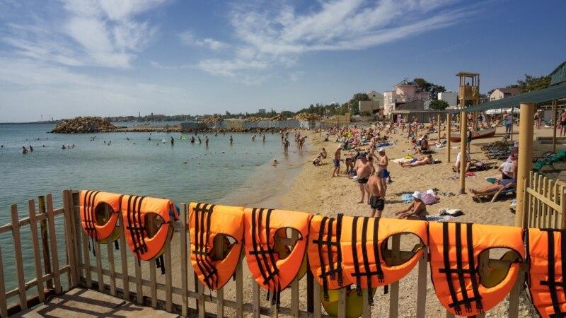 «Солярис», «Горький» и другие: пляжи Евпатории в разгар «бархатного» сезона (фотогалерея)