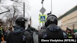 Российские силовики на протестах в России в 2021 году (иллюстративное фото)
