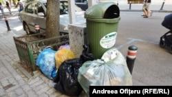Romprest refuză să mai adune gunoiul de pe străzi pe motiv că primăria nu a plătit toate facturile
