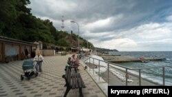 Набережная в Партените, Крым, 7 сентября 2021 года