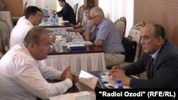 Личные встречи предпринмателей Таджикистана и Узбекистана в рамках форума. Душанбе, 20 июня 2017 года