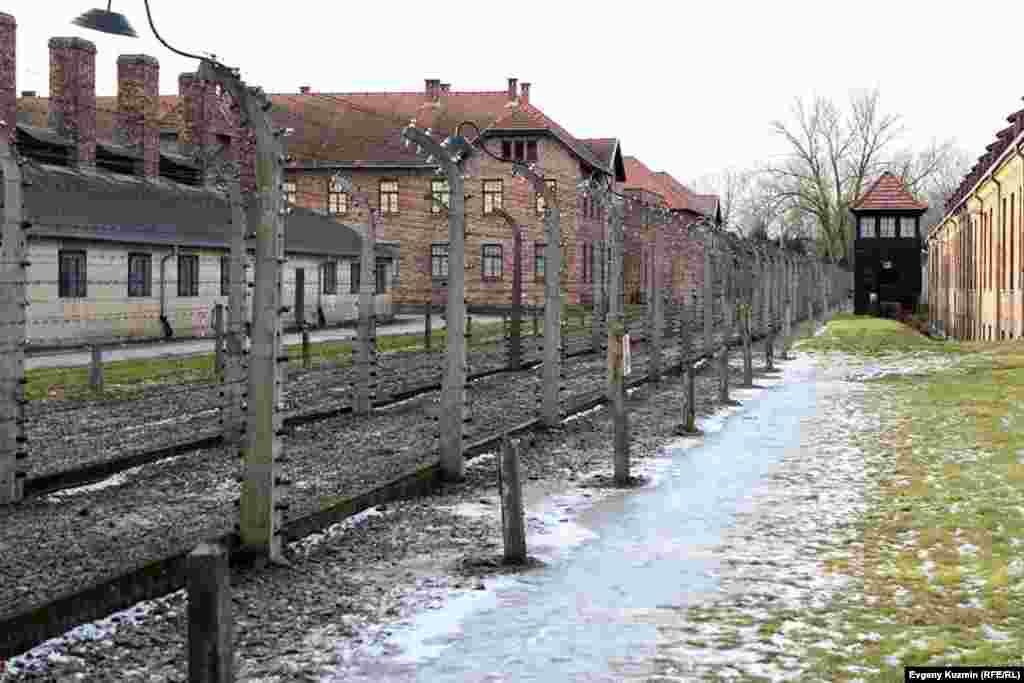Граница лагеря Аушвиц-1