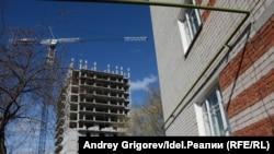 Четыре 20-этажные свечки должны вырасти прямо по соседству с пятиэтажками.