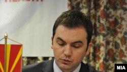 Министерот за здравство Бујар Османи
