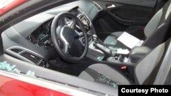 Автомобиль Левона Барсегяна после ограбления, 5 апреля 2013 г.