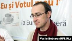 Valeriu Prochnițchi, la o dezbatere cu alți analiști în studioul Europei Libere