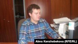 """Директор компании """"Стандарт мониторинг Алматы"""" Михаил Канабеевский. Алматы, 21 мая 2014 года."""