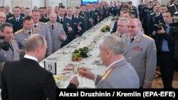 Президент Владимир Путин на приеме в Кремле в честь российских военных, воевавших в Сирии, 28 декабря, 2017 года