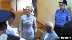 Тимошенко во судот во Киев
