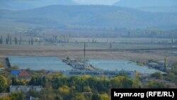 Теплицы ООО «Севастопольский» на окраине поселка, архивное фото