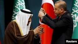 اردوغان در آوریل به ملک سلمان مدال داد