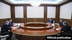 O'zbekiston prezidenti Rossiya Federatsiyasi iqtisodiy rivojlanish vazirini qabul qilmoqda, 7 mart, 2019 yil