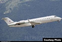 Bombardier Challenger 850 с бортовым номером RA-67220, JetPhotos.net