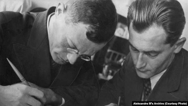 Writers Ilya Ilf and Yevgeny Petrov at work in 1932
