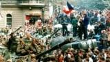 Прага 21 августа 1968. Фото Libor Hajsky/CTK (AP)