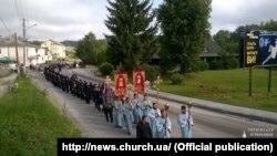 Учасники хресної ходи. 10 липня 2016 року