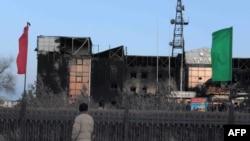 Жаңаөзендегі оқиға кезінде өртенген ғимарат. Жаңаөзен, 18 желтоқсан 2011 жыл.