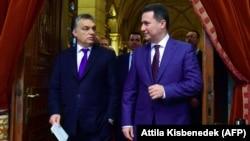 Архивска фотографија: Унгарскиот премиер Виктор Орбан и поранешниот македонски премиер Никола Груевски