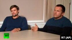 Скрипальләрне агулауда шикләнелүче дип аталган Руслан Боширов (с) һәм Александр Петров